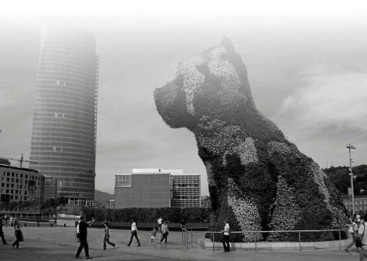 'Puppy' Jeff Koons Guggenheim Bilbao, 2010.