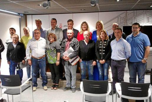 La entrega de certificaciones a las empresas de coches de alquiler se celebró ayer en el Consell d'Eivissa.
