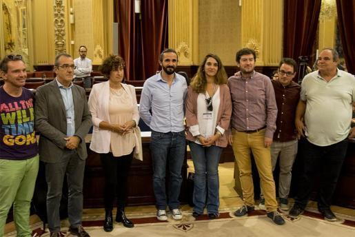 Diputados de Podemos, junto al diputado nacional Juan Pedro Yllanes y la portavoz y secretaria de Participación Ciudadana Noelia Vera, que no se han perdido el acto.