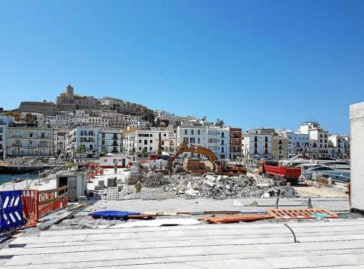 La gestión de las últimas obras de la fachada marítima de Vila colmó la paciencia del Ayuntamiento de Eivissa.