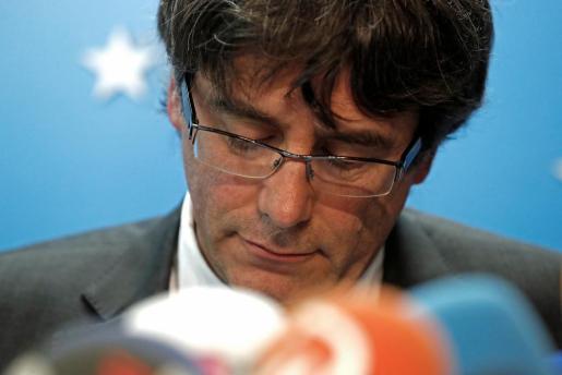 El expresidente de la Generalitat de Cataluña Carles Puigdemont durante una rueda de prensa que ofreció en Bruselas.