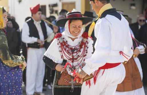 Ball pagès en el Día de los Mayores de Santa Gertrudis.