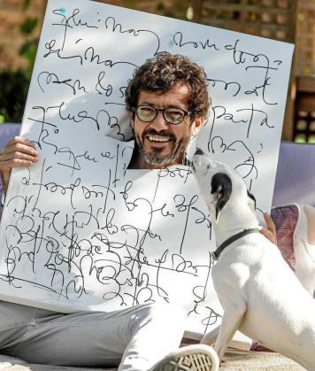 Willie Márquez: «Le dedicaría una chirigota a mi novio ibicenco para que se tome la vida con un poco más de sentido del humor»
