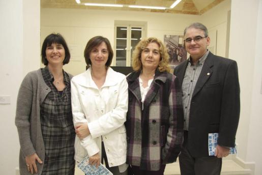 Joana Gomila, Maite Salord Ripoll, Juana Anglada Cortés y Bartolomé Frau.