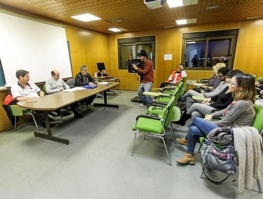 Simebal organizó hace unas semanas una asamblea para explicar a sus afiliados lo que supone la imposición del 'decretazo'.
