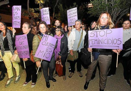 Imagen de una de las concentraciones llevadas a cabo en las islas el pasado mes de noviembre. Las mayoría de las denuncias que se registran en las Islas provienen del partido judicial de Palma, que concentra casi la mitad.