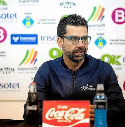 Tito García Sanjuán, técnico del Formentera.