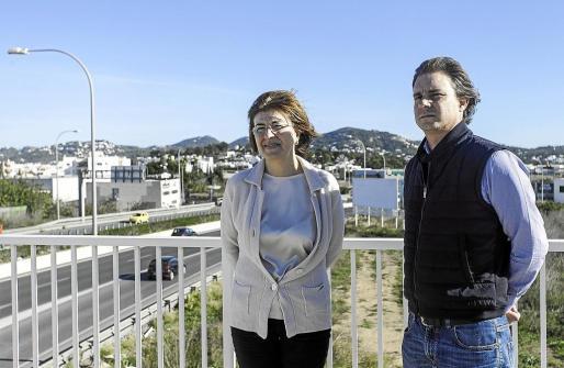 Pepa Costa y Salvador Losa ayer en rueda de prensa. Foto: DANIEL ESPINOSA