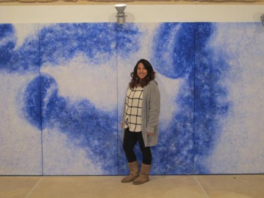 La artista canaria afincada en Ibiza, Doralice Souza, momentos antes de la inauguración de 'Mèdousa' en Es Polvorí.