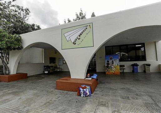 El colegio Labritja, en una imagen de ayer, vuelve a tener comedor escolar.