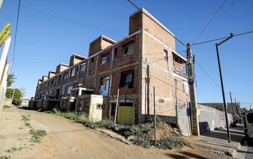 Aspecto del edificio okupa de es Viver, después de las tres jornadas de limpieza de esta semana.