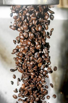 El anteproyecto de ley de residuos de las Illes Balears que prepara el Govern prohibirá la venta las cápsulas de café de un solo uso fabricadas con materiales no fácilmente reciclables orgánica o no orgánicamente.