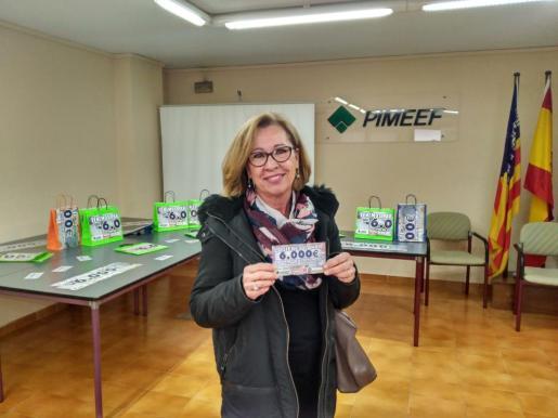 Eva Maria Sunder-Plassmann, residente en Sant Jordi, ha sido la afortunada ganadora del sorteo de los 6.000 euros de la Pimeef.