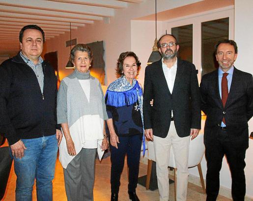 Fernando Feliu, Niní Ferrer, Juana María Román, Raimundo Fortuny y Álvaro Delgado.