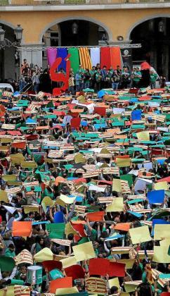 La Obra Cultural Balear lleva años organizando diadas a favor de la lengua catalana para fomentar su uso en la sociedad balear y para prestigiar la utilización de este idioma en las distintas administraciones públicas.