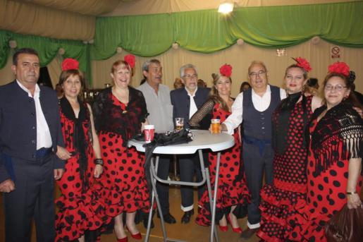José Manuel Maíz, Sole Chacón, Estrella Domínguez, José Santos, Paco Foguer, Gabi Berenjeno, Rafael Herrera, Cristina Marín y Antonia Izquierdo.