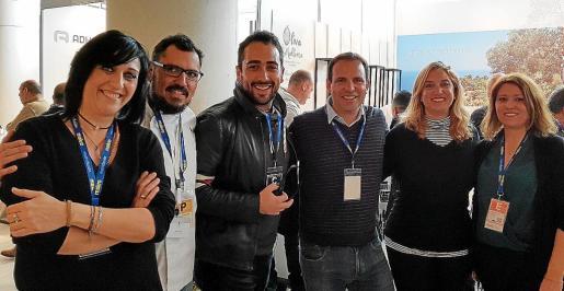 María Salinas, José Cortés, Bernabé Caravotta, Javier Irazusta, Tiffany Blackman y Lydia E. Larrey.