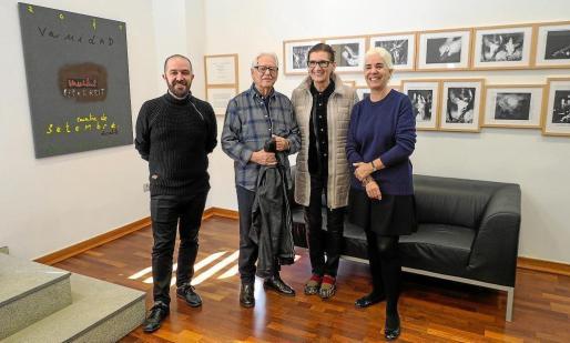 De izqda. a cha., Pep Tur, Josep Vallribera, Hildegung Jenninger, editora de las obras, y Elena Ruiz.