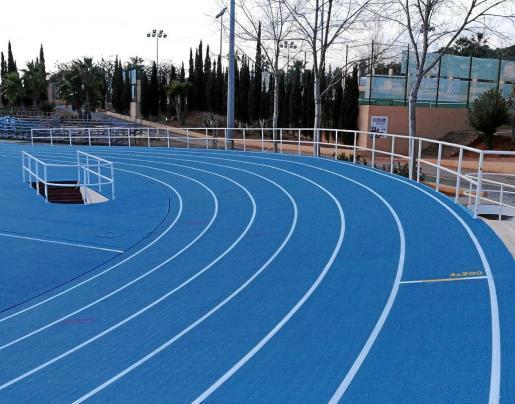 La pista de atletismo ya sufrió unas mejoras el mes pasado con la implantación del pavimento Sportflex Super X 720 de Mondo.