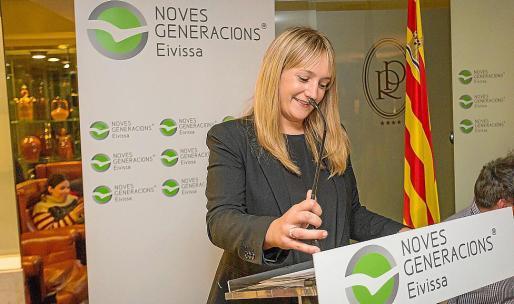 Tania Marí antes de pronunciar su discurso.