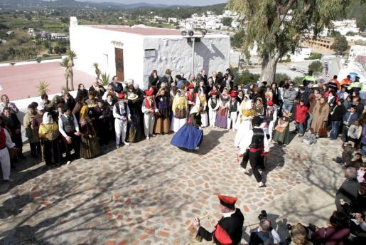 La demostración de baile tradicional que ofreció Es Broll captó la atención de muchos de los asistentes.