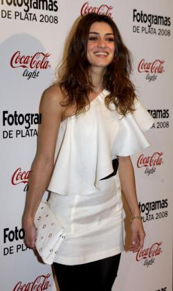 Olivia Molina, hija de la también actriz Àngela Molina, ha anunciado que será madre.