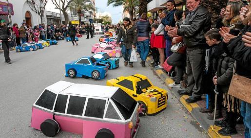 Los Transformers del colegio S'Olivera han sido los indiscutibles ganadores de los carnavales que se han celebrado en la isla con cuatro premios, dos en Ibiza y dos en Santa Eulària.