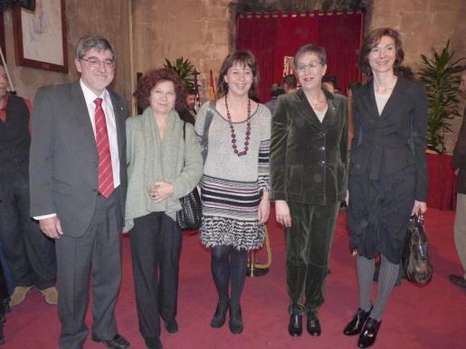 Gabriel Vicens, Aina Rado, Francina Armengol, Joana Barceló y Bel Oliver.