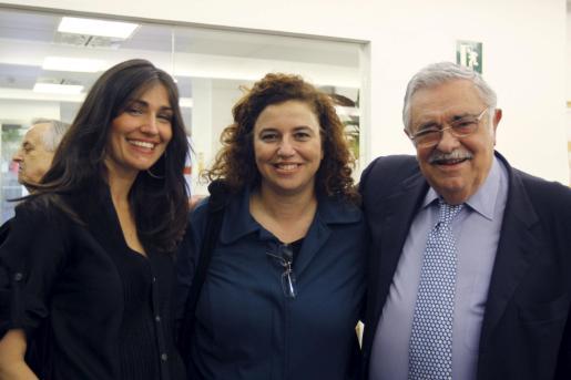 Ana Sánchez, comercial de UH Ibiza, Pilar Costa y Pere A. Serra.