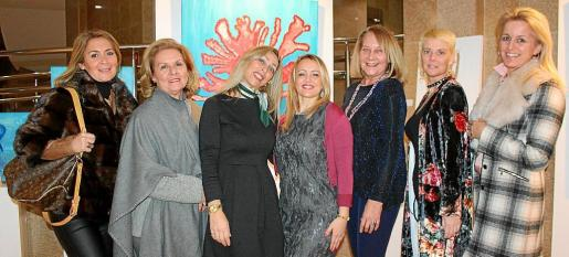 Sylvi Arias, Lourdes Vaesken, Elena Fernández, Ana Delgado, Águeda Ropero, Ana Aguiló y María Dolores Caldentey.