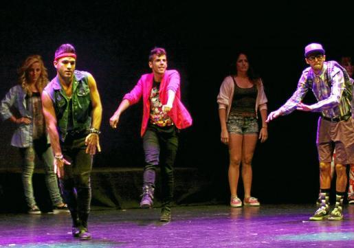La mayoría de bailarines que intervienen en este espectáculo proceden de distintas ediciones de 'Fama'.