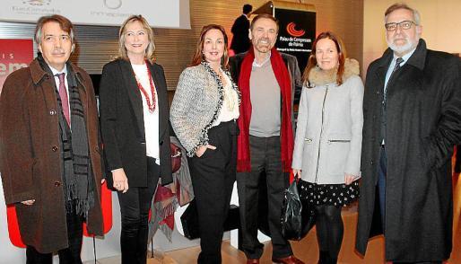 Xavier Pericay, Rosa MªAmengual, Marilena Estarellas, Tolo Riera, de la empresa de servicios Ángel 24; Juana María Canals y Josep Lluís Bauzá.