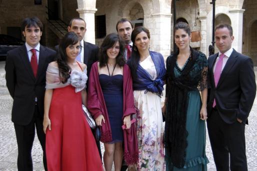 Alvaro González, Gemma González, Iván Saez, Bárbara González, Enrique González, Valentina Pala, María García y Jorge González.