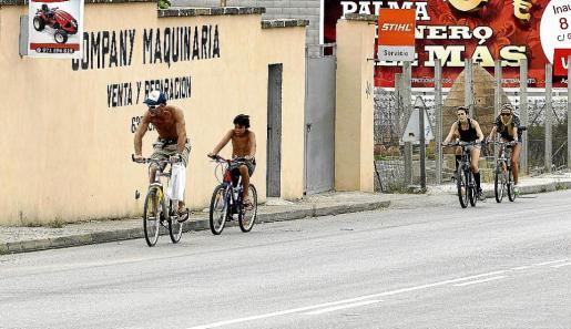 Con Kyril siempre va el deporte. Si hace buen tiempo, deportes de mar; si no, la bici, por ejemplo.