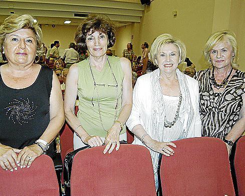 Carmen Aparicio, Margalida Arrom, Pilar Barceló y Catalina Barceló.