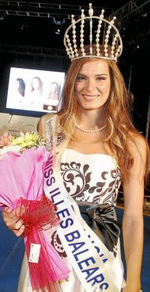 La joven 'inquera' Àngela Flores se proclamó miss Baleares 2011 en una gala llena de música, baile y moda
