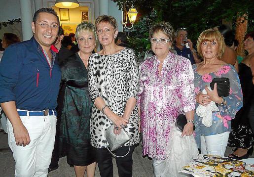 Carlos Durán, Maria Sansó, Cati Veny, Margalida Riera y Àngeles Moreno.