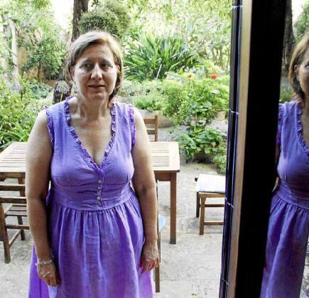 Entre los referentes familiares de Cèlia Riba figuran el poeta Josep Maria Llompart y Encarna Viñas.