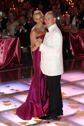 Alberto y Charlene, en el tradicional Baile de la Rosa de Mónaco.
