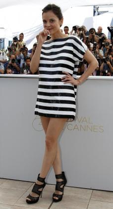 """La actriz Elena Anaya posa en Cannes para presentar la película """"La Piel Que Habito""""."""