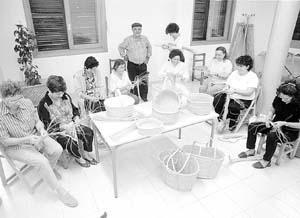 Talleres para recuperar las tradiciones. Foto: VICENÇ FENOLLOSA