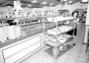 El sector de la hostelería emplea a cerca de 25.000 personas en Eivissa y Formentera. Foto: VICENÇ FENOLLOSA.