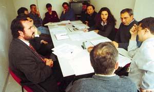 Los negociadores del pacto en la reunión de ayer donde se sentaron las bases de este acuerdo entre la izquierda.