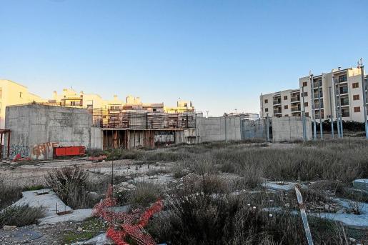 La anterior adjudicataria del auditorio del Caló de s'Oli abandonó las obras hace casi cuatro años.