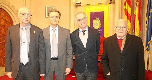 José Luis Olea, Jeroni Nadal, Macià Tomàs y Josep Tomàs i Monserrat.