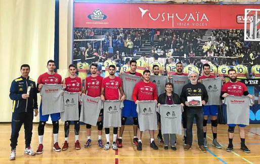 Los jugadores del Ushuaïa regalarán camisetas a los aficionados presentes durante la Copa del Rey que se celebrará en Soria.