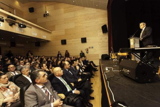 El Centre Cultural de Can Jeroni, en Sant Josep, acogió ayer por la tarde el acto institución del Día de Balears.