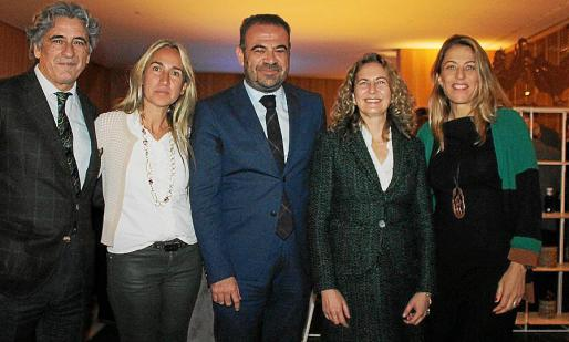 Juan Buades, Belén Puerto, Gabriel Escarrer Jaume, Carmen Sampol y Encarna Piñero.