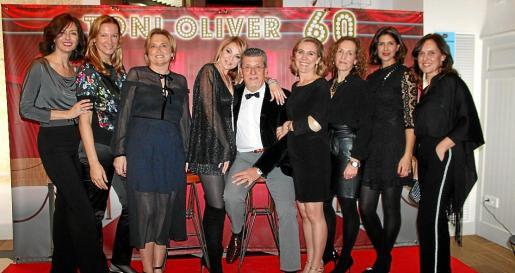 Estefanía Sánchez, Marga García, Cati Catalá, Yolanda García y Toni Oliver, Begoña Amengual, Noemí Sanz, Isabel Molina y Victoria Miralles.