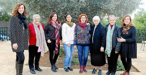Margalida Barceló, Catalina Pascual, Irene Ramón, Rosa Gomila, Teresa Pibernat, Margalida Llabrés, Catalina Mateu y Beneta Palou.